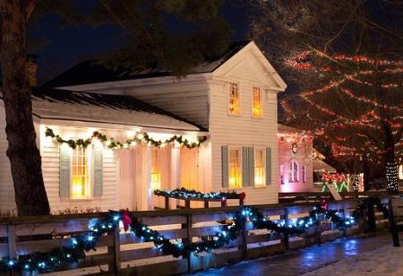 christmas-house-554728_640